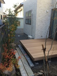 樹ら楽ステージ木彫